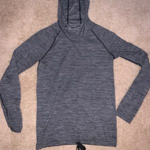 Under Armour pull-over
